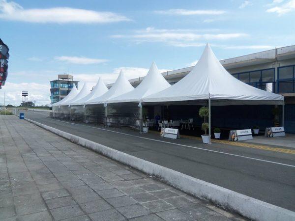 Locação de Tenda Chapéu de Bruxa 8X8 em Curitiba